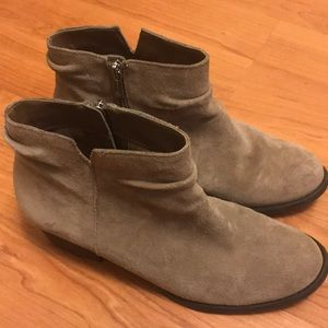 Jessica Simpson booties // light tan